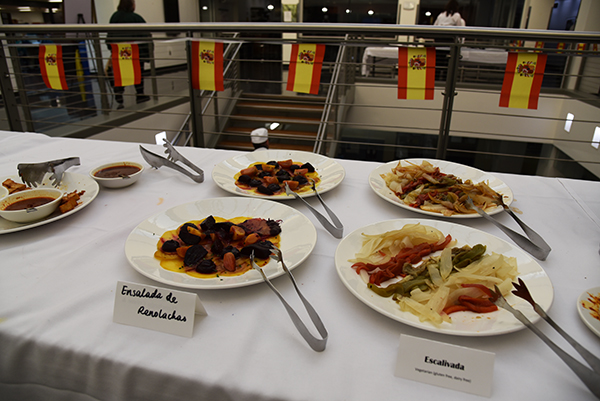 students learned about tapas such as ensalada de remolachas